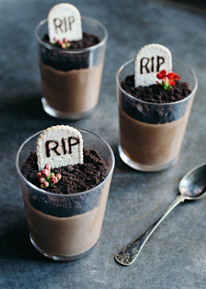 Halloween Gravstenar med chokladmousse 1